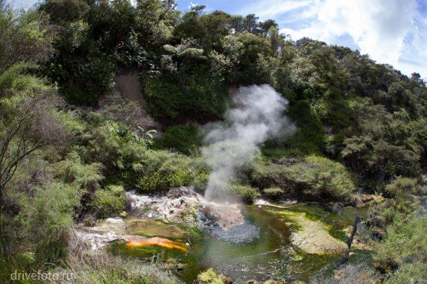 <strong>Теплые источники: ручей Kerosene Creek. Фото-1.</strong>