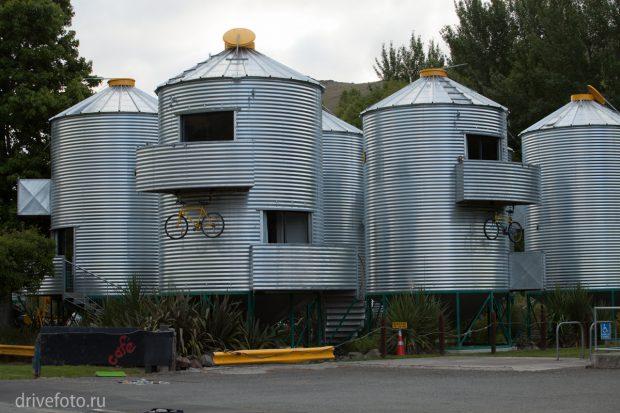 <strong>Необычные отели, например, в силосных башнях. </strong>