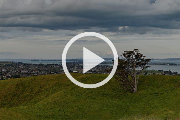 <strong>Вид на Окленд с вулкана Mt Wellington (панорама с картой).</strong>