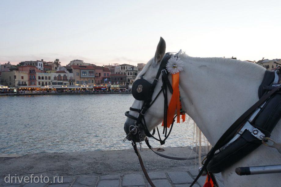 В порту Ханья