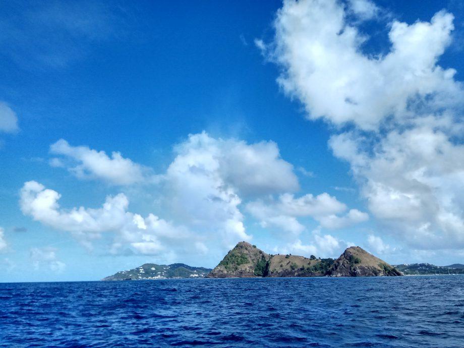 Виды на карибские острова с борта