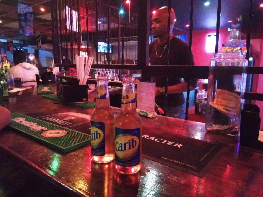 Думаете это креативный дизайн? Нет, просто обычный бар На Тринидаде. Хотя, сейчас там все спокойно