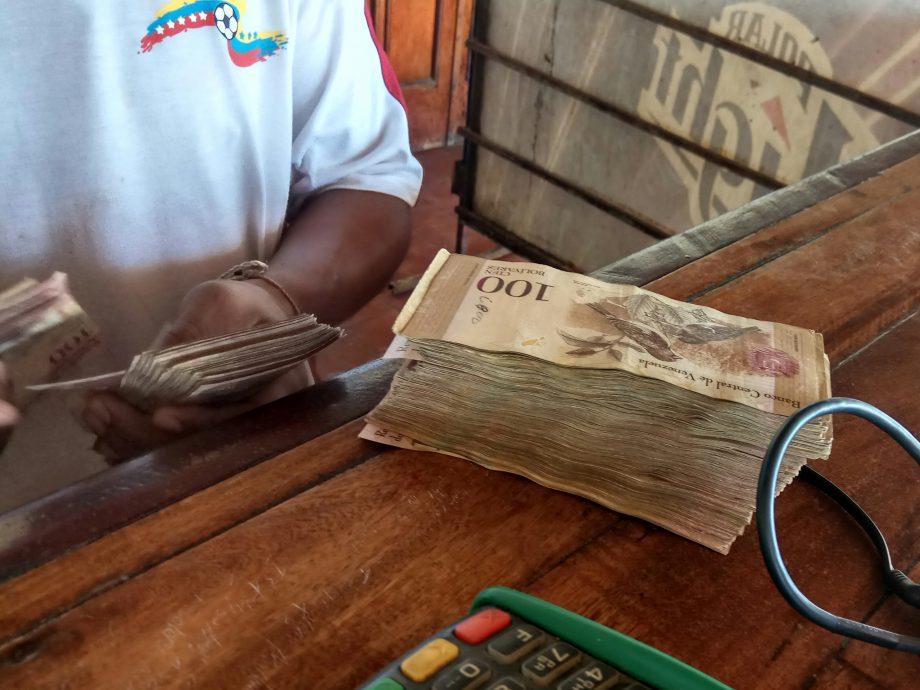 В этой  котлете денег сумма меньше 1 $