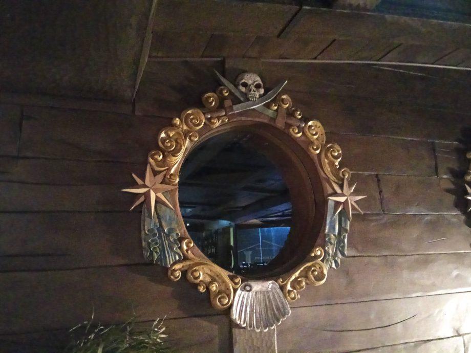 Кафе с дизайном в пиратском стиле